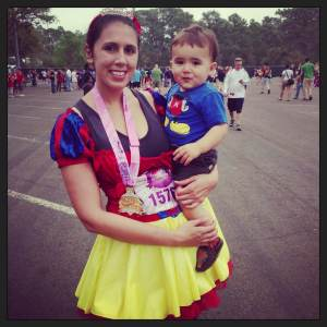 Fit mom and featured blogger, Danielle Knapp